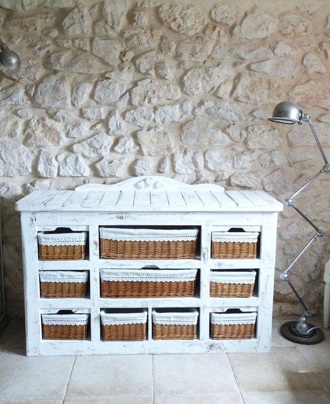 1000 id es sur le th me commode de palette sur pinterest. Black Bedroom Furniture Sets. Home Design Ideas