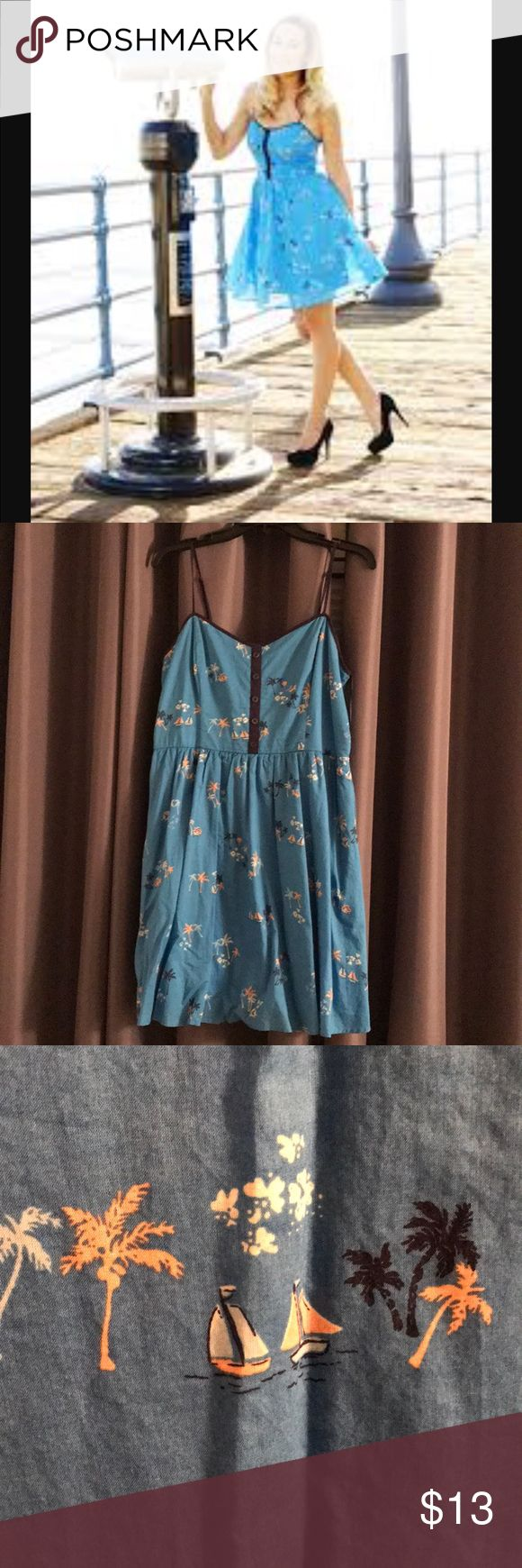 Cute summer dress Once worn once and have had in the closet for some months now. Very cute but unfortunately doesn't fit anymore. Nothing wrong with it. LC Lauren Conrad Dresses Midi #NothingButDresses