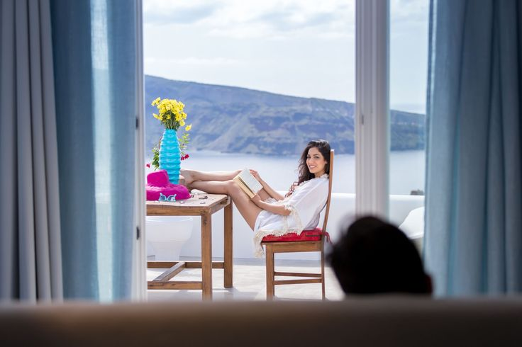 Romance lives in Andronis Luxury Suites. Let the scenery leave an impression on you and your loved one.