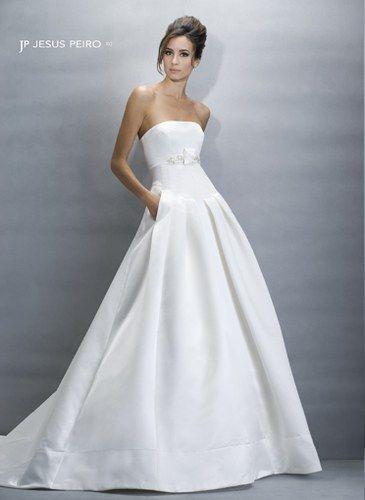 Robe de mariage Jesus Peiro, 2090 € © Jesus Peiro