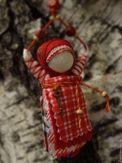 Купить или заказать Куколка народная  'Благость' (для сумки) в…