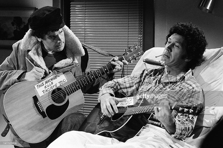 Dec 20, 1980 SNL skit Patrick Weathers as Bob Dylan, David Carradine as Woody Guthrie during the 'Dylan & Guthrie' skit -- Photo by: Alan Singer/NBC/NBCU Photo Bank