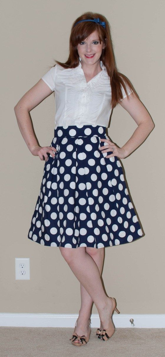 The Kate Skirt-a free tutorial for making a pleated full skirt that can be worn with or without a petticoat.