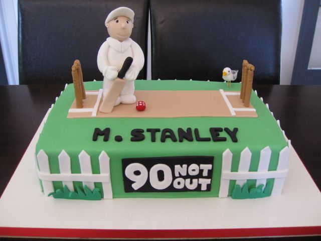 cricket cake - 90 Not Out birthday cake