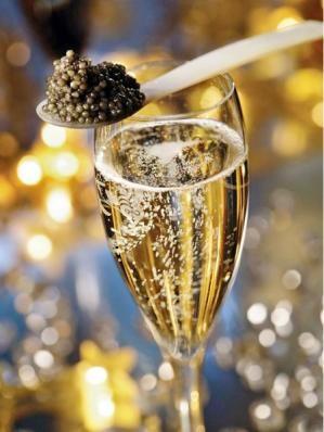 Le caviar est l'allié de la vodka ou du champagne, mais pas du vin blanc, trop boisé. Prunier