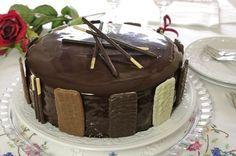 Pasqua la prima vera Festa importante dell'anno caratterizzata da dolci come Focacce, Colombe e cioccolato. Ed allora cosa meglio di una sette veli ch...