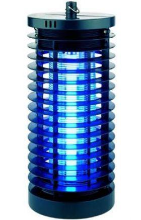 Un aparat compact si robust pentru distrugerea insectelor in spatiile mici. Foloseste un tub cu UV de 6W pentru a atrage si apoi curenta insecte de pe o suprafata de cca. 10-15 m². Potrivit pentru utilizare in foisoare acoperite, terase mici, etc.