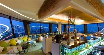 A five star hotel - Dusit Thani - $128  @ hotels2stay.net