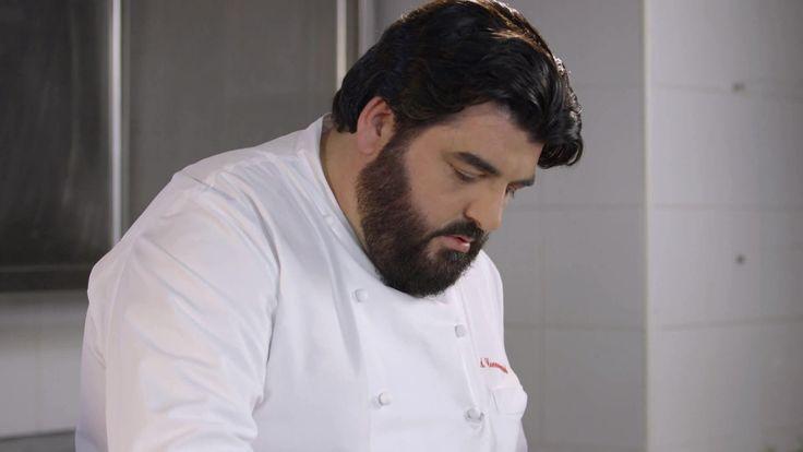 Le ricette dello Chef Cannavacciuolo: timballo di patate con calamari e funghi e spaghetti ai frutti di mare. Da Cucine da incubo a sogni di bontà!