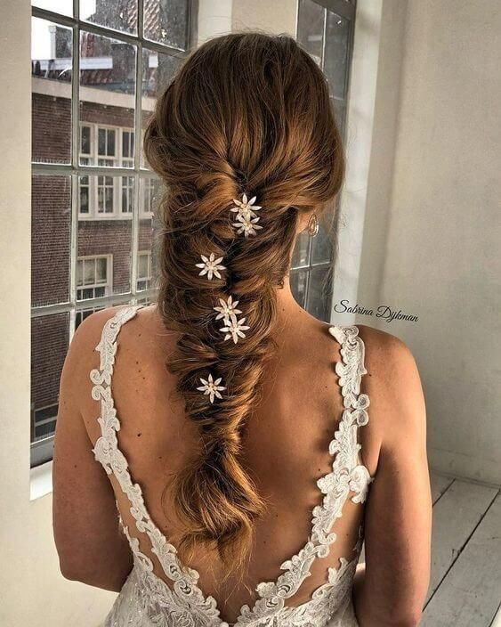 Effortless and Chic #Weddinghairstyles