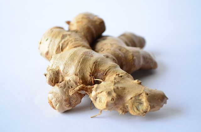 A detailed article covering information about nutrition in ginger roots,health and beauty benefits of ginger roots,risks and side effects of ginger root.