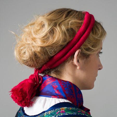 Head dress, part of the Fana folk dress, Norway | Roggeband til Fanabunad