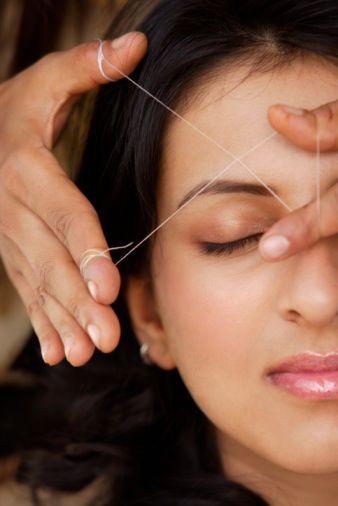 The Dos and Don'ts Of Eyebrow Threading (Read This Before You Book An Appointment!): Girls in the Beauty Department