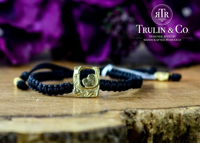 2a4eda785a77 Trulin Co  Pulsera Tejida Corazón - Kichink Pulsera tejida a mano con  detalle en chapa de oro.