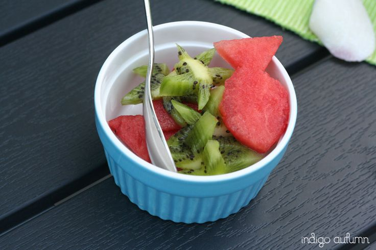 For the underwater punch bowl: kiwi-seastars and melon-fishes.