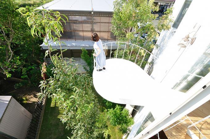 Balcón. Casa Bosque En La Ciudad, Por Studio Velocity. ©Kentaro Kurihara.