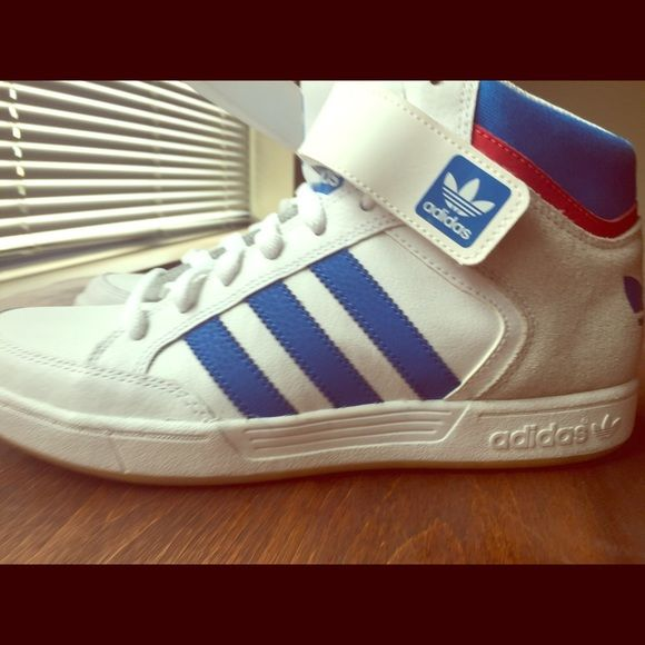 adidas shoes high tops white. adidas high tops (never worn!) shoes white