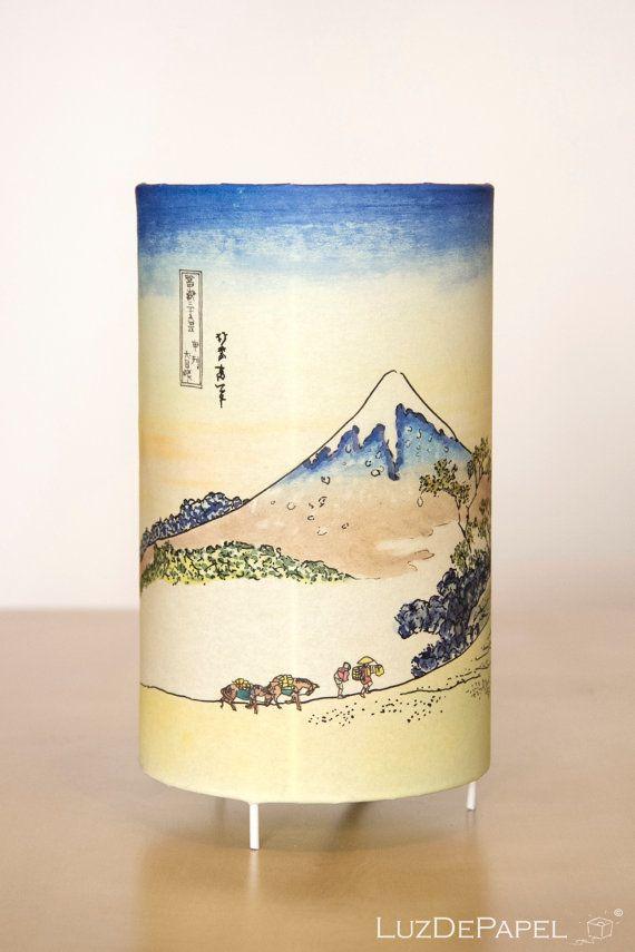 Lámpara de mesa: FUJI  Katsushika Hokusai  AHORA por LuzdePapel