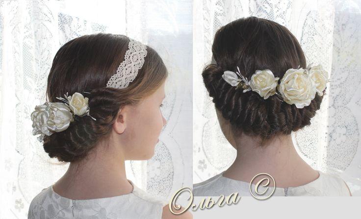 Красивая прическа с греческой повязкой. Как сделать такие розы в прическу Вы можете посмотреть здесь: http://deti-mama.com/brosh-svoimi-rukami-rozyi/