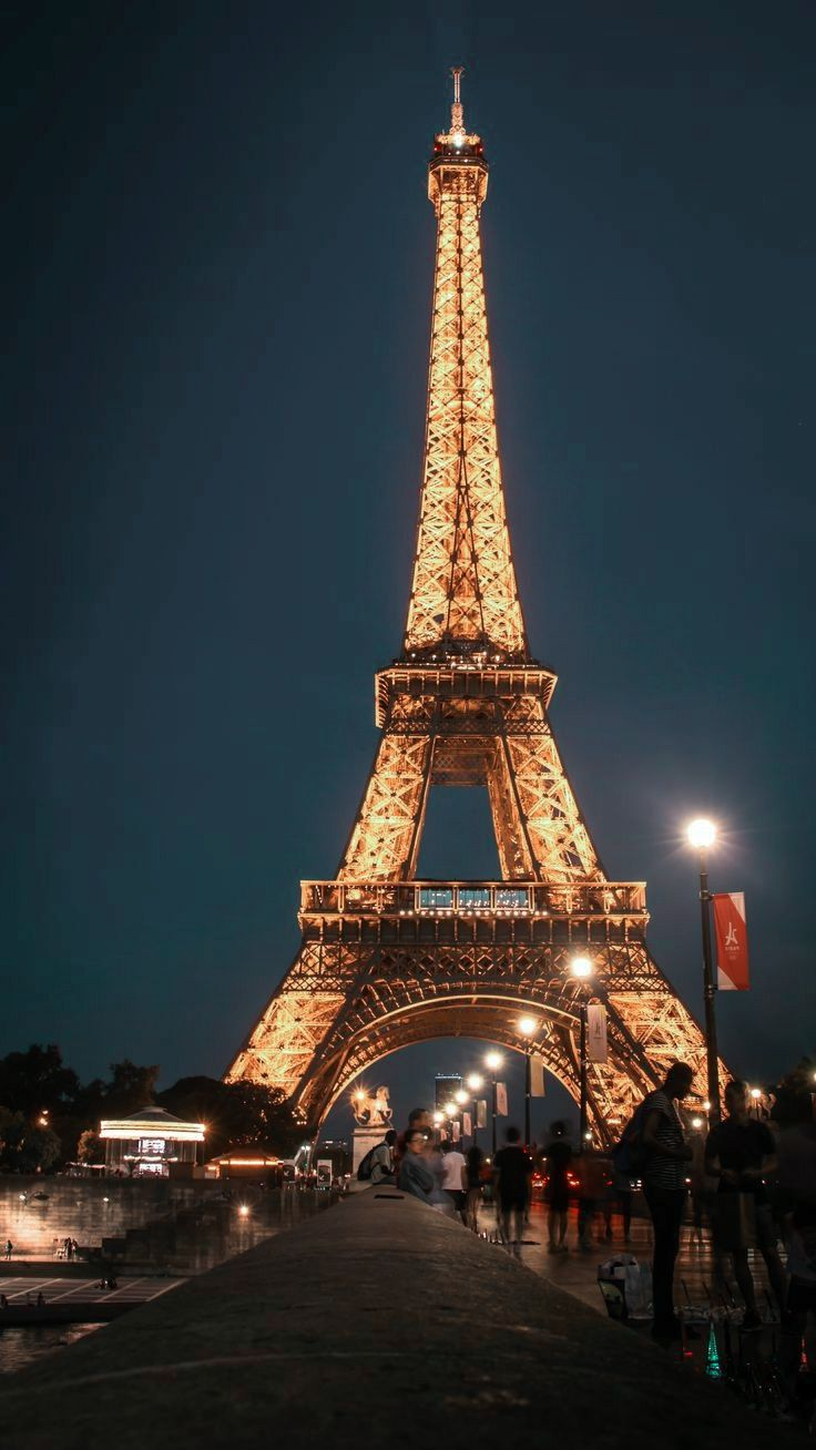 Eiffel Tower At Night Lockscreen In 2021 Eiffel Tower At Night Paris Wallpaper Eiffel Tower Lock screen paris eiffel tower iphone
