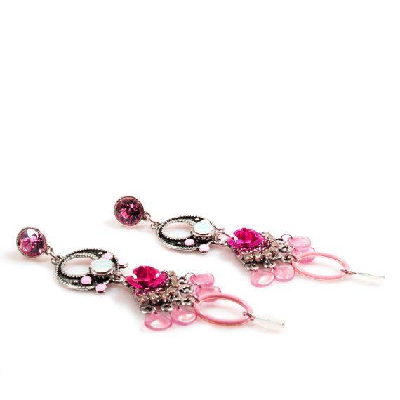 Lange oorbellen roze wit met Swarovski en fuchsia roos - Ibiza boho chic stijl oorbellen - exclusieve handgemaakte sieraden - gypsy stijl