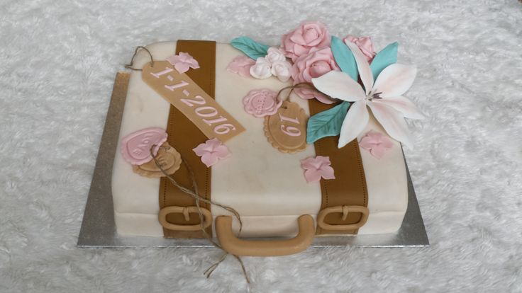 Suitcase cake (koffer taart)