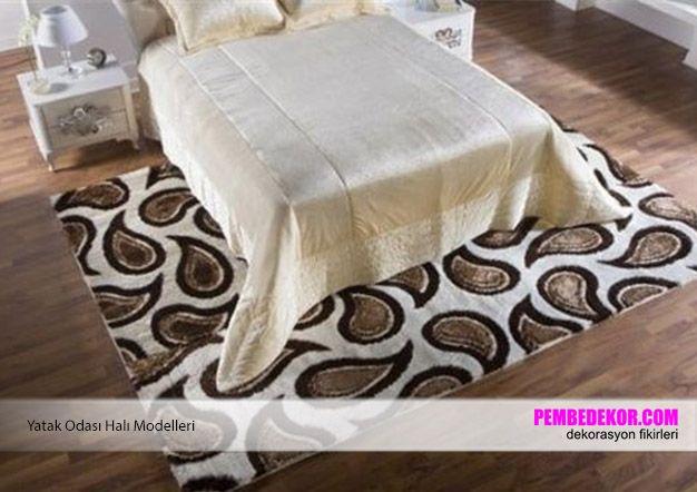 Yatak odası halıları ile konforlu ve göze hitap eden dekorasyonlar oluşturabilirsiniz. Yatak odası halıları odanın merkezinde konumlanan ve odanızın görüntüsüne tamamen etki eden öneml