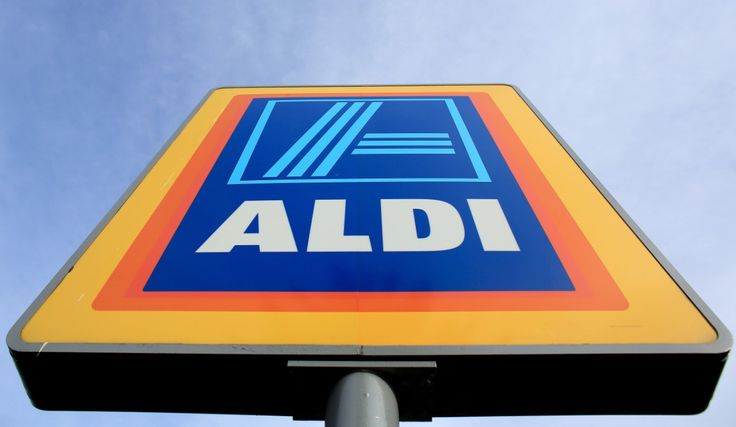 I don't often shop in Aldi, because I am a fan of the online shop. But when I do I often find a save money. Anyway below is a list of Slimming World friendly foods available from Aldi. Downlo…