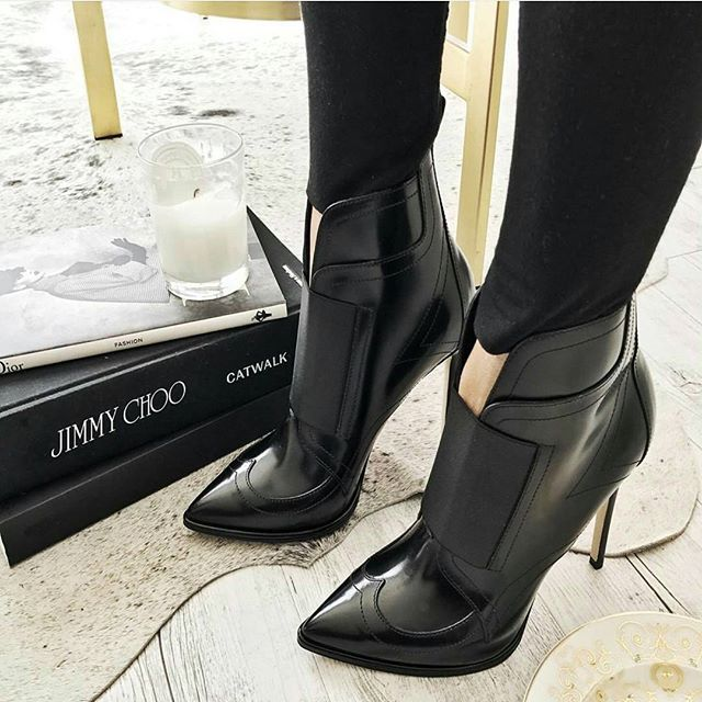 Shoesinyo #fashion #moda #fashionista #streetstyle #stylish #heels #happy #womenstyle #stylegram #styleaddict #fashionstyle #vogue #dailystyle #fashionheels #streetchic #love #modvay #NewYork #losangeles #fashionisnpo #fashiondiaries #fashionista #fashiongram #fashionable #instastyle #instagood #streetlook #shoesinyo #stylebloggers