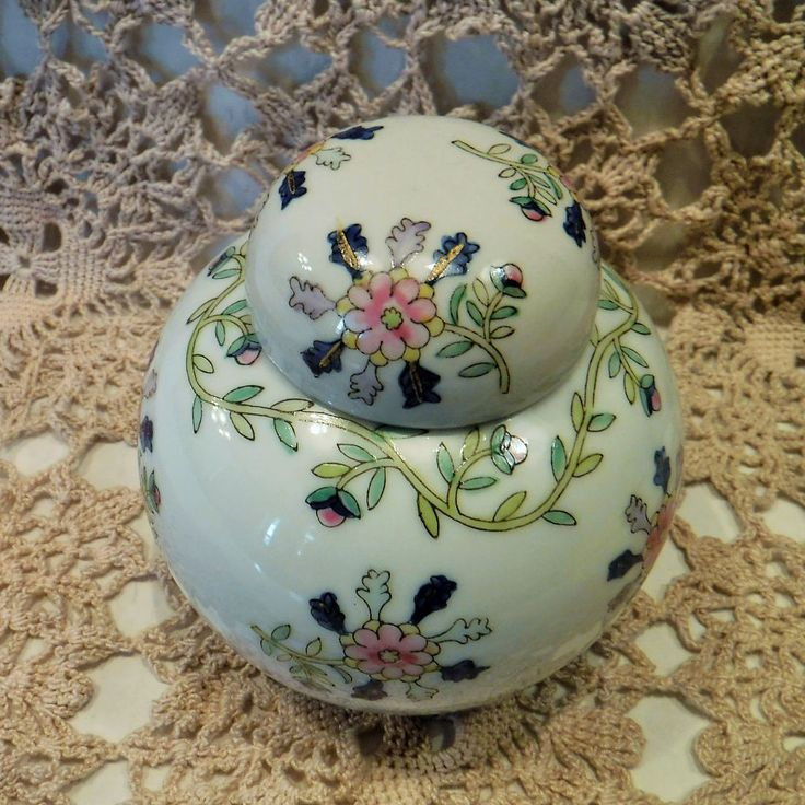 Vintage Chinese Urn, Porcelain Urn, Floral Porcelain Urn, Oriental Decor, Handpainted Made In Macau China, Chinese Ginger Jar, Chinese Vase by BeautyMeetsTheEye on Etsy