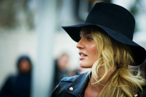 big black hat.
