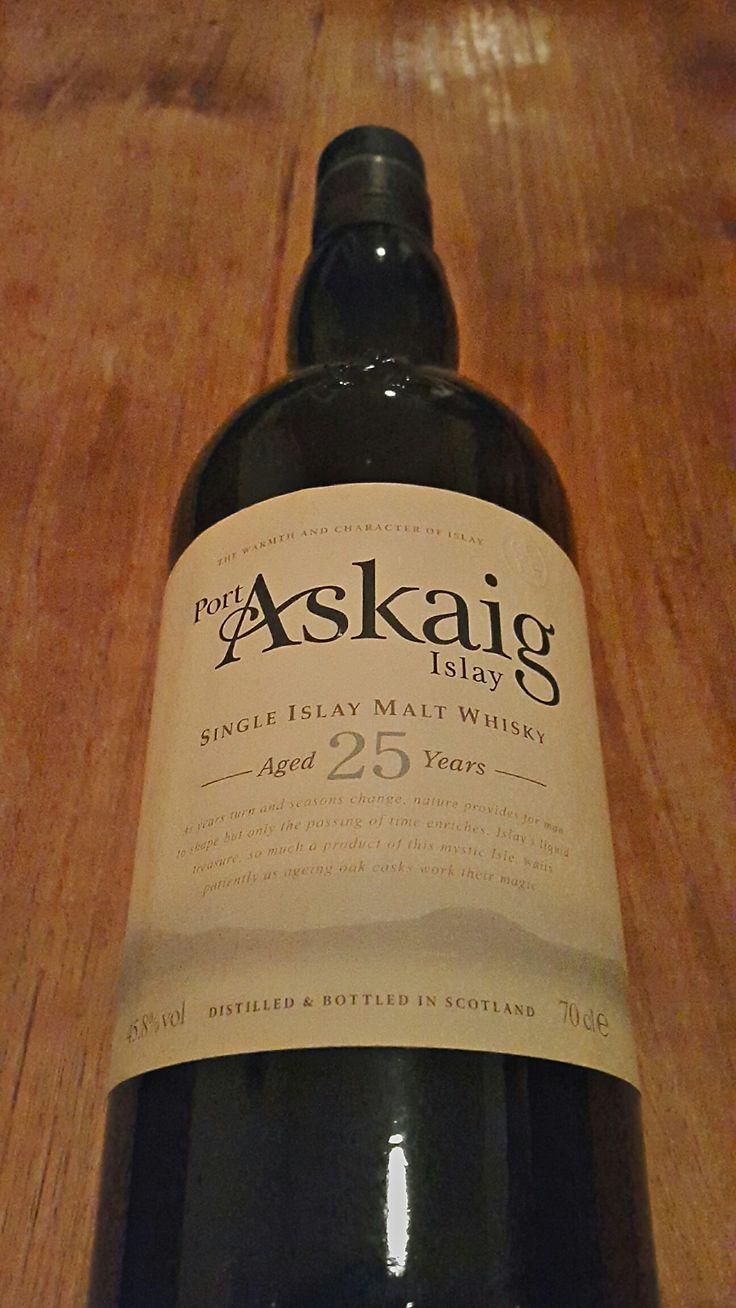 Port askaig 25 years malt whisky whisky islay whisky