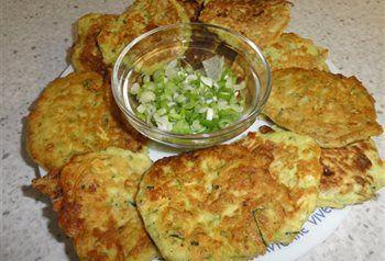 Courgette koekjes met feta en bosuitjes.Als bijgerecht of lekkere gezonde snack