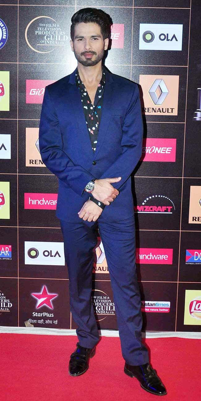 Shahid Kapoor at the Star Guild Awards 2015. #Bollywood #Fashion #Style #Handsome