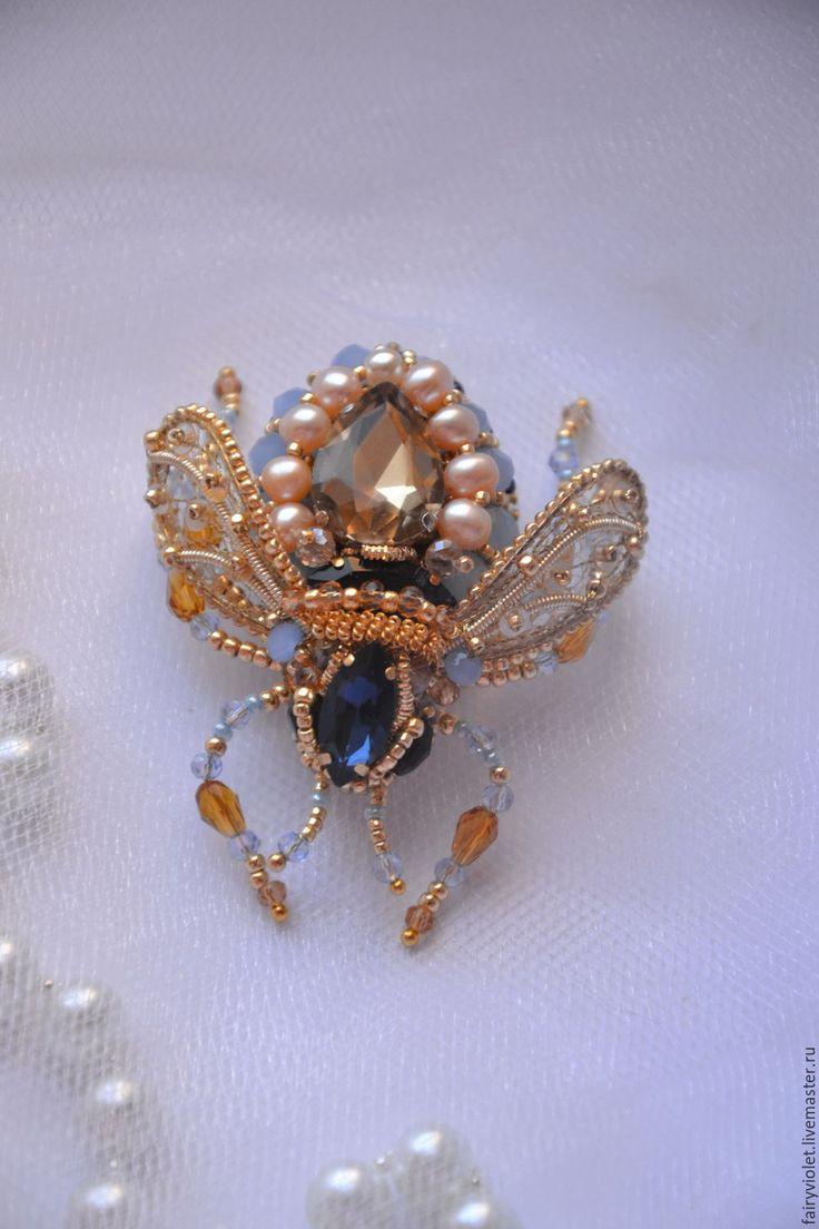 Купить Брошь жук Небесная мушка - голубой, золотой, муха, мушка, жук, жучок, брошь