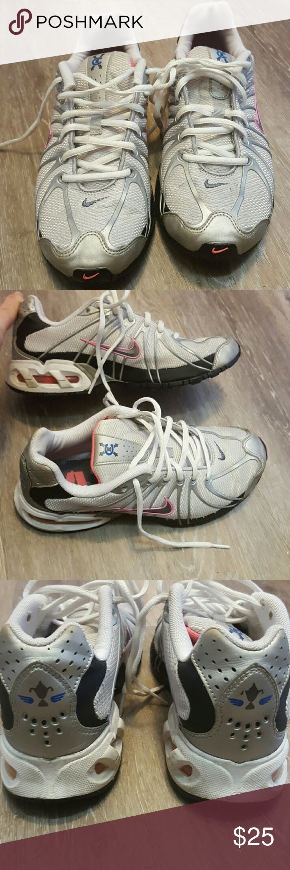Nike max air In good condition! Nike Shoes Sneakers