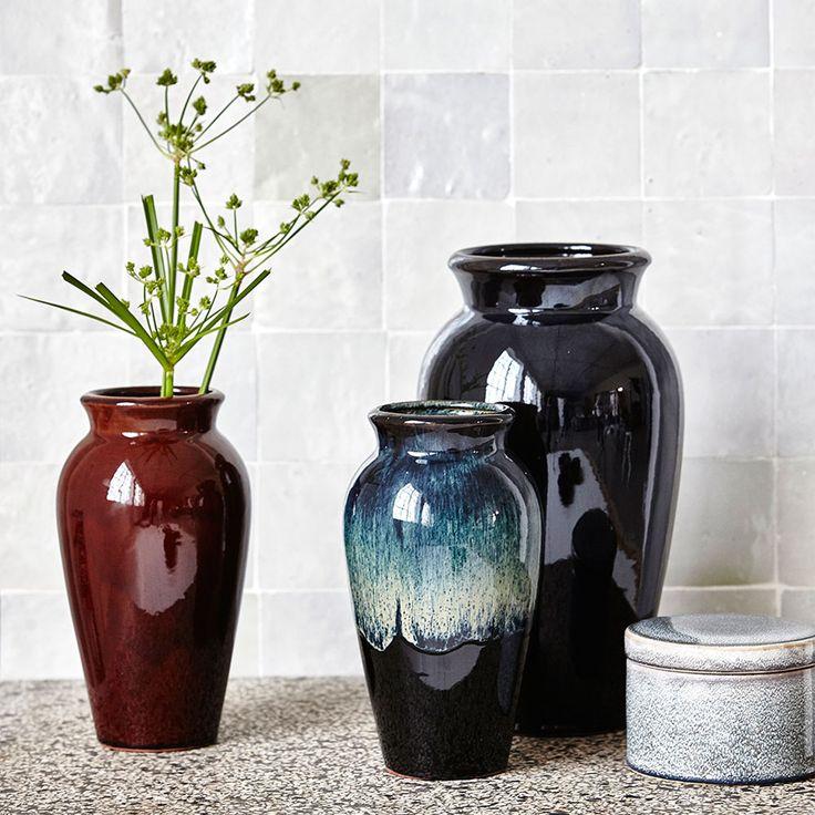 Antique vas 35cm, svart/grön – House Doctor – Köp online på Rum21.se