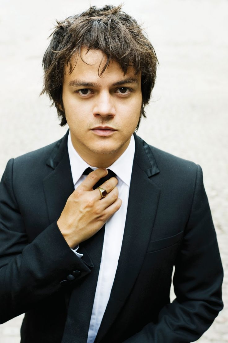 Jamie Cullum. most talented jazz vocalist and pianist there is!