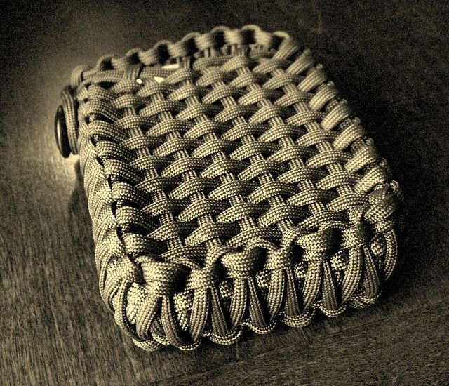 Stormdrane 39 s blog survival tin playing card edc paracord for Paracord stuff to make
