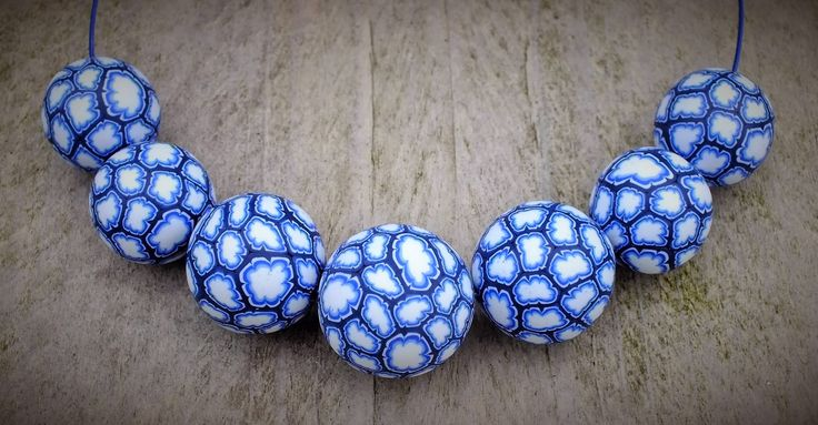 'Schapenwolkjes' beads for the Craftliners blog by Lillian de Vries http://craftliners.blogspot.nl/2015/03/schapenwolkjes-kralen.html