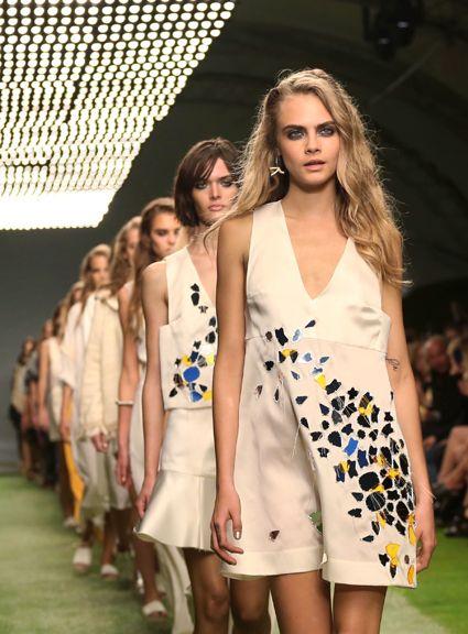 """CASTING PREZENTARE MODA BLONDE - Casting modele ( fete ) pentru prezentare moda in Bucuresti pentru un designer renumit, 11 iunie 2014 - fete blonde, par lung, ochi deschizi, fata angelica, cu experienta in prezentari de moda, cu inaltimea minima de 1.74. Fetele interesate sunt rugate sa trimita un mail cu nume, prenume, varsta, inaltime, masuri si fotografii recente si clare pe adresa office@bestcasting.ro cu subiectul """"PREZENTARE MODA BLONDE""""."""