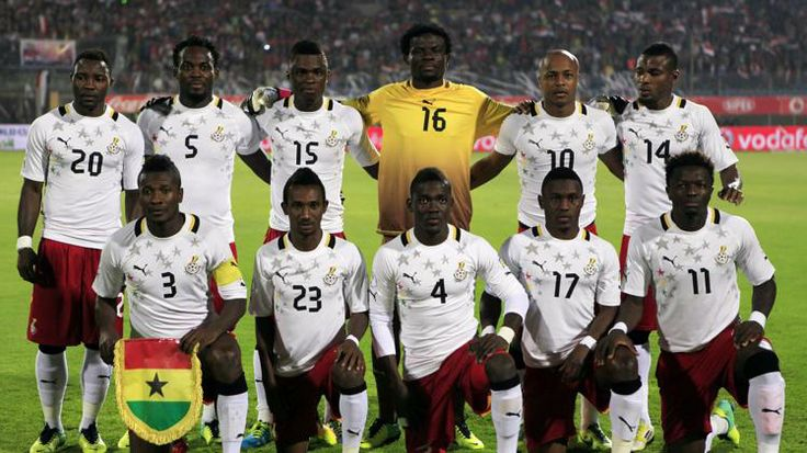 Ghana soccer team roster 2014 world cup | team players pose for photographers before their team's 2014 World Cup ...