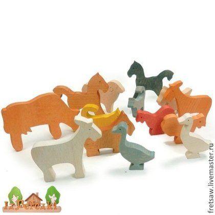 Купить или заказать Домашние животные. Набор деревянных фигурок. в интернет-магазине на Ярмарке Мастеров. Стоимость указана за набор из 8-ми фигурок. Коза, гусь, собака, кошка, корова, баран, лошадь, петух. Фигурки разрабатывались совместно с известным психологом для песочной терапии. Фигурки изготовлены из массива бука, толщина 12 мм. Покрыты цветным воском БИОФА на натуральной основе. У бука крепкая древесина подобно дубовой. Фигурки крепкие, надёжные, долговечные.