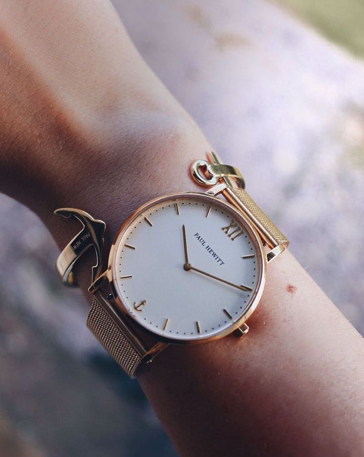 Nautical inspired perfection on @rachelward_e's wrist. :anchor::watch::heart: