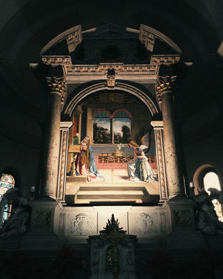 Pala d'altare, Annunciazione della Beata Vergine Maria, dipinta agli inizi del XVI secolo da Andrea Previtali (1470 ca.-1528), allievo di Giovanni Bellini. Chiesa di Santa Maria Annunziata in Meschio, Vittorio Veneto