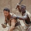 Still of Russell Crowe and Djimon Hounsou in Gladiator