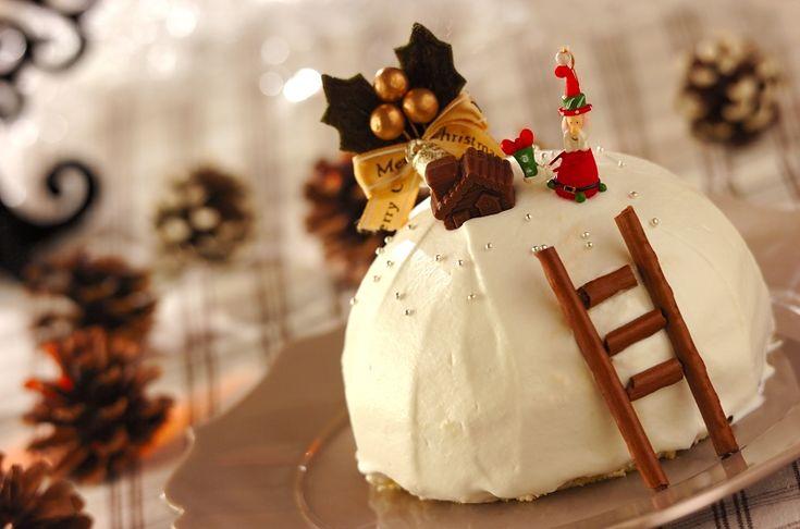 市販のスポンジケーキを上手く使えば、手間がかかるクリスマスケーキも華やかに作れます♪イチゴのドームケーキ[洋菓子/その他洋菓子]2015.12.07公開のレシピです。