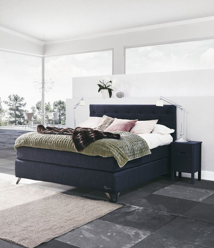 Jensen Signature J6 continental bed with Anthracite textiles.