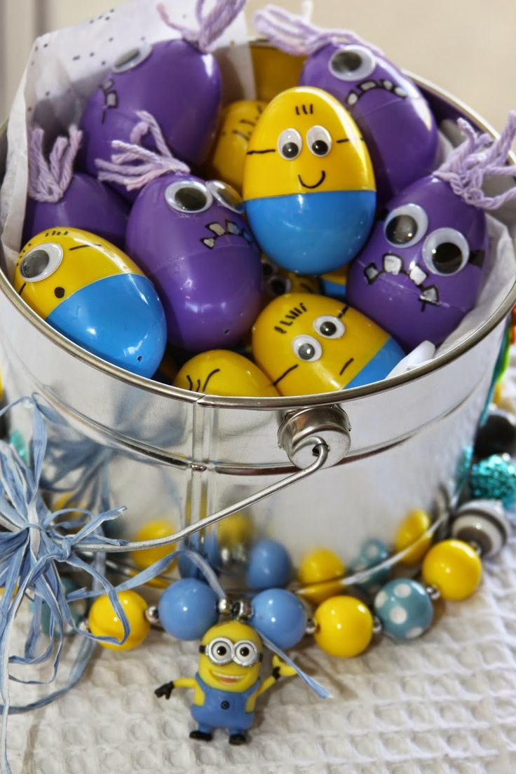 Despicable Me Minion Easter Eggs ... Easter surprise for Dad next year?!!?!   :)   <3
