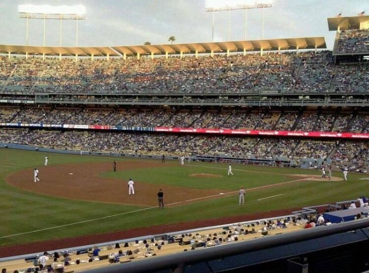 nice 2 LA Dodgers 27 Game Season Ticket Package - Loge 151 VIP - Aisle Seats -Infield   Check more at http://harmonisproduction.com/2-la-dodgers-27-game-season-ticket-package-loge-151-vip-aisle-seats-infield/